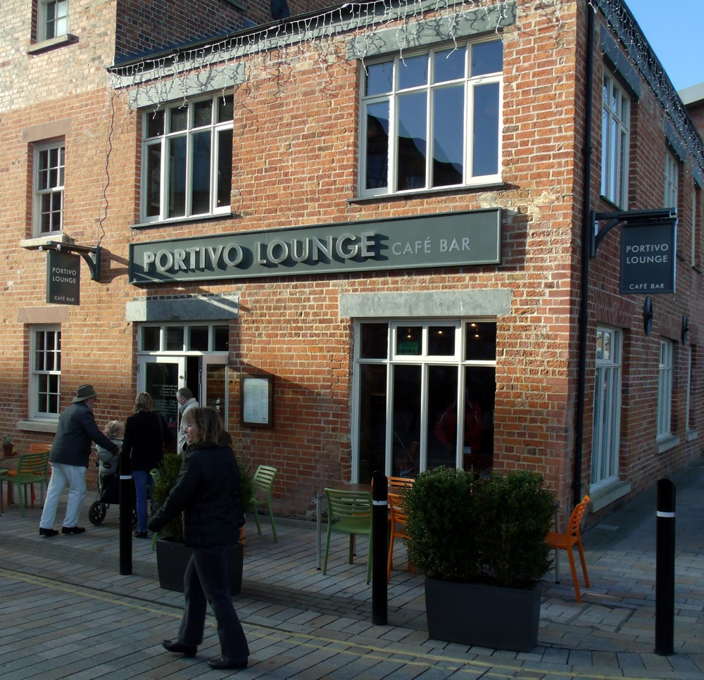 Designer Outlet Gloucester Quays: Portivo Lounge At Gloucester Quays Near To The Docks