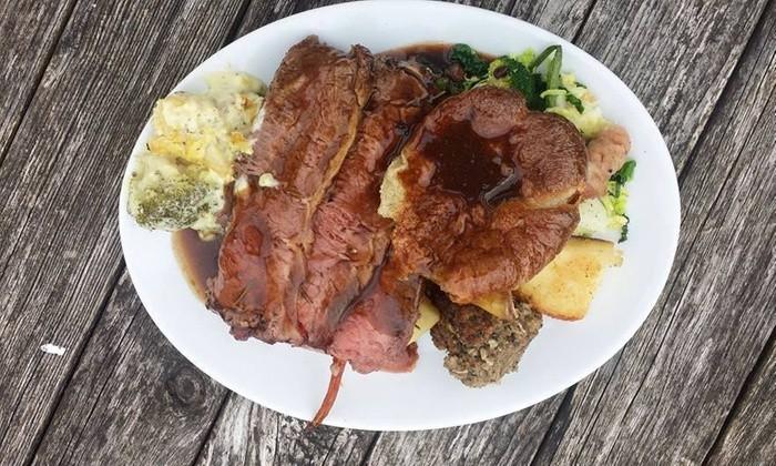 Bear-Inn-Roast-Dinner.jpg