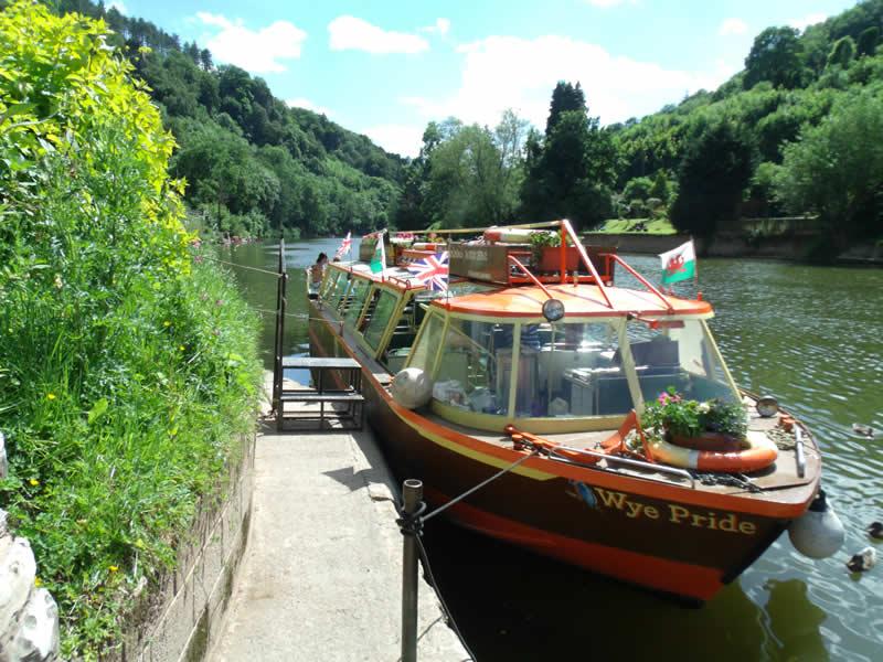 Kingfisher Cruises on the Wye
