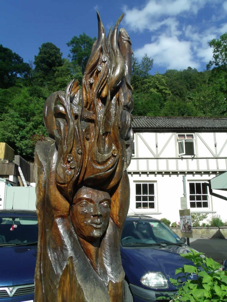 Wooden carving at The Saracens Head at Symonds Yat East