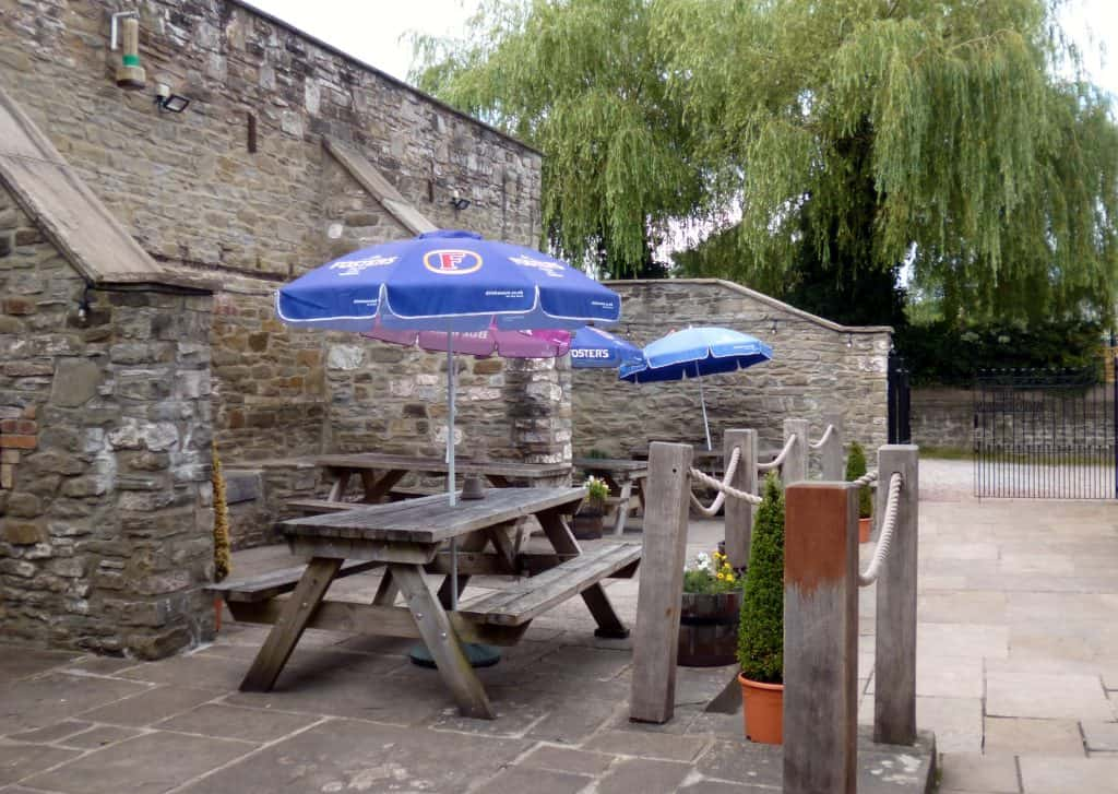 Woodman Inn - Beer Garden
