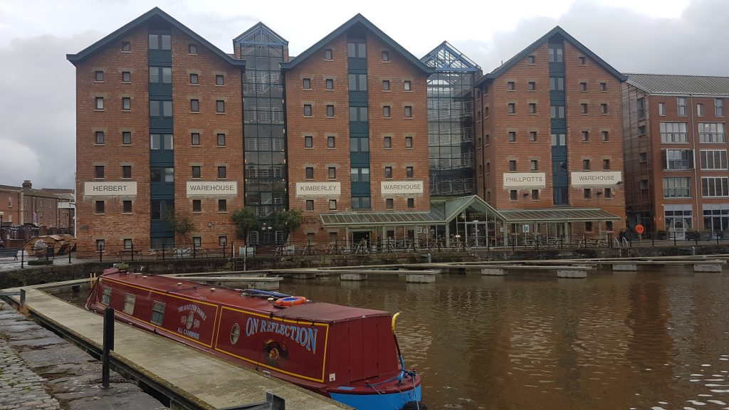 Dr Fosters Gloucester docks